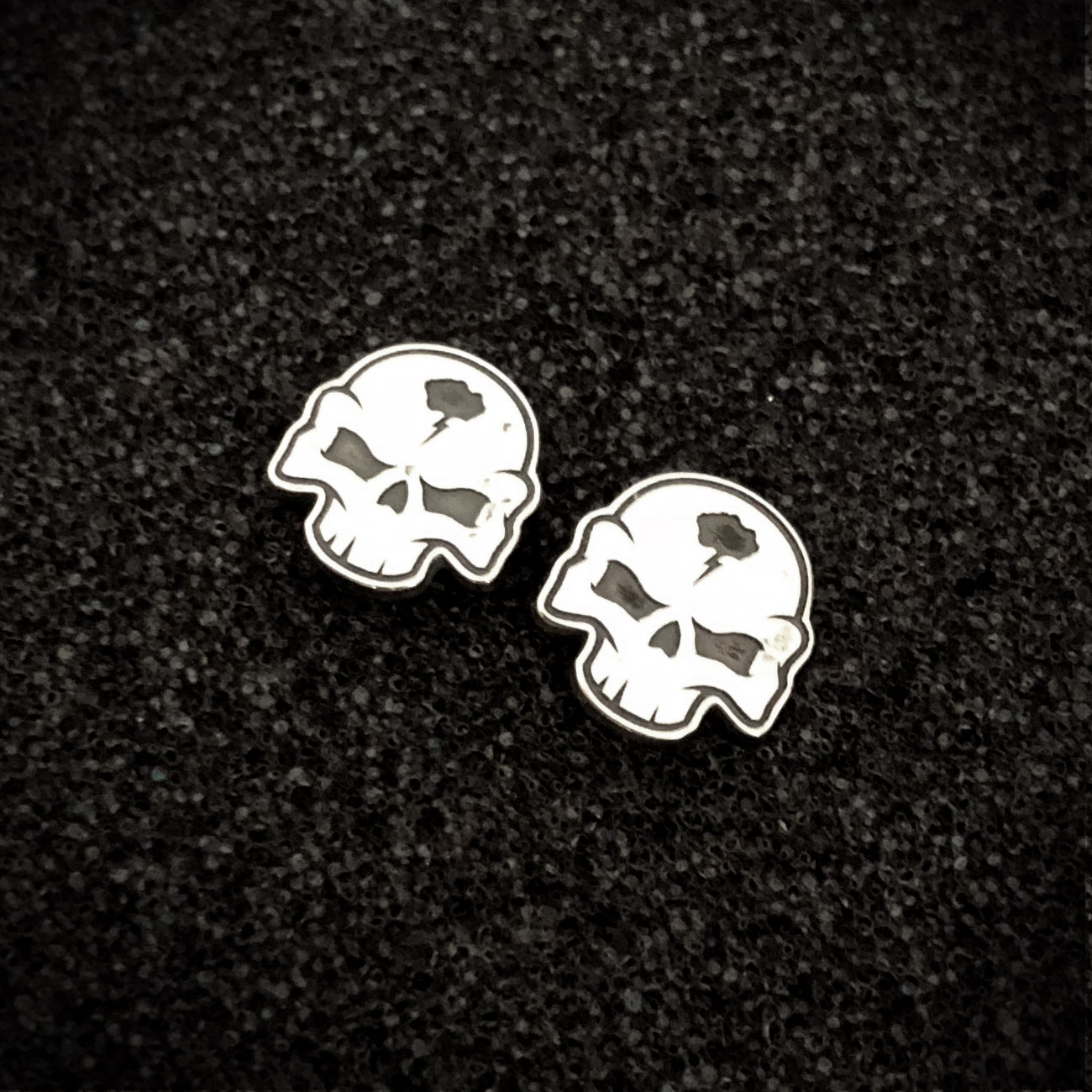 handmade-skull-earrings-sterling-silver-fat-punk-studio-01