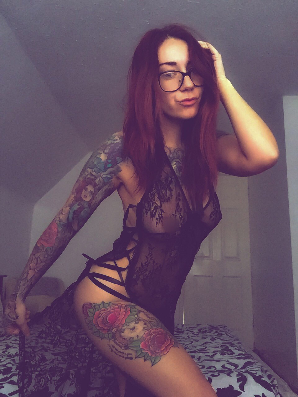 lady-luna-tattooed-alt-model-pinup-20