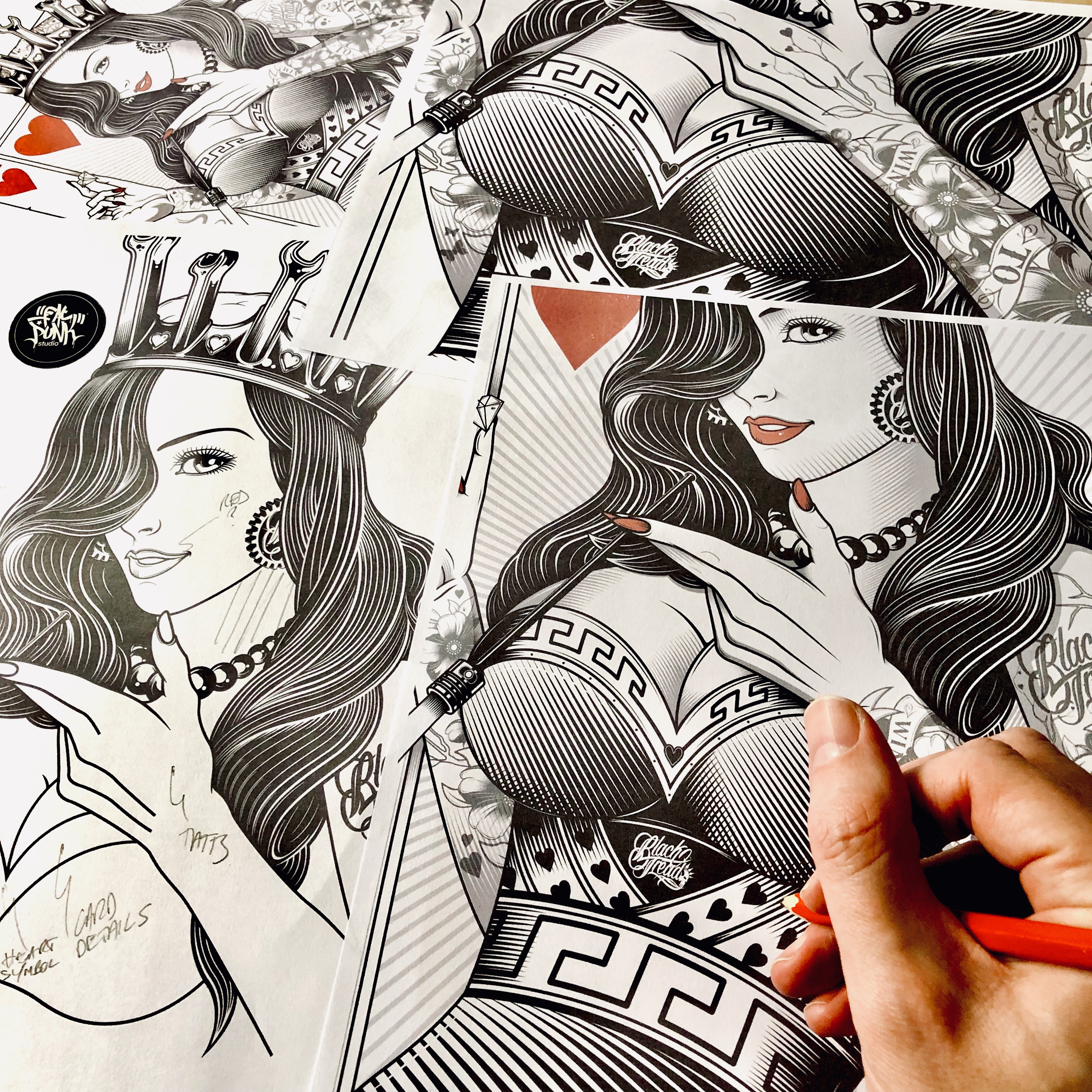 queen-of-hearts-playing-card-design-black-tread-01